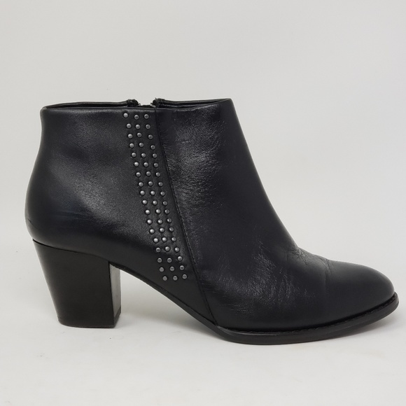 63565410147 Vionic Georgia studded ankle boots